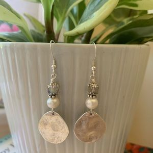 Silver and Pearl Damgle Earrings